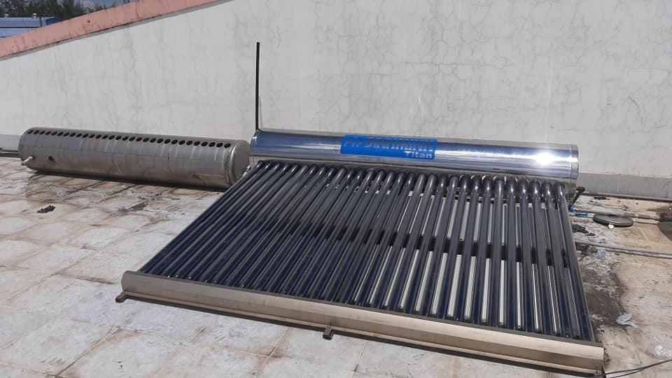 thay thế bình bảo ôn máy nước nóng năng lượng mặt trời