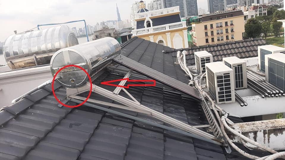 sửa máy nước nóng năng lượng mặt trời bình dương