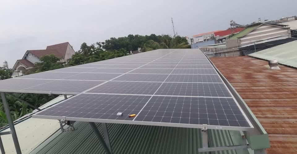 Giá thi công điện năng lượng mặt trời tại Bình Dương áp mái