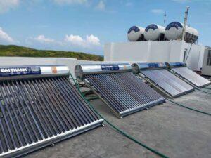 giá máy nước nóng năng lượng mặt trời Đại Thành