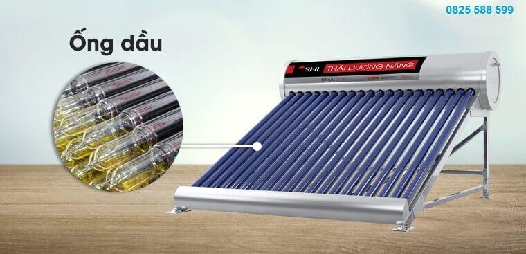 Nên sử dụng máy nước nóng năng lượng mặt trời ống dầu hay ống chân không?